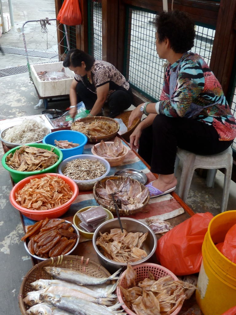 Market Ladies at Tai O Fishing Village, Hong Kong #LisaDeviAdventures